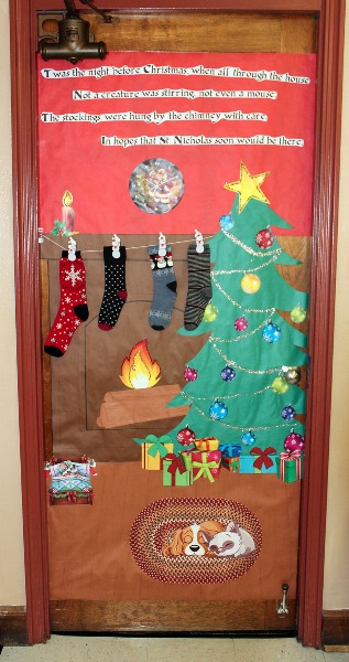 56666ca30563c the office door decorated by melissa dreher and natawyna garner begins the poem twas the night before christmas when all through the